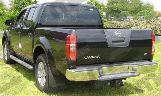 Towing hook Nissan Navara D40