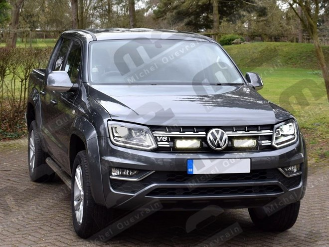 2 Led into the gril of the Volkswagen Amarok V6 2016