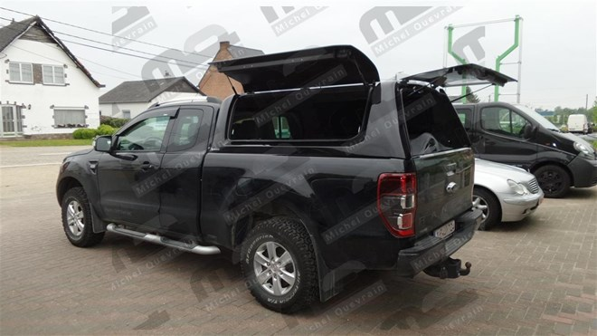 Hard top gullwing painted Ford Ranger X-tra Cab 2012
