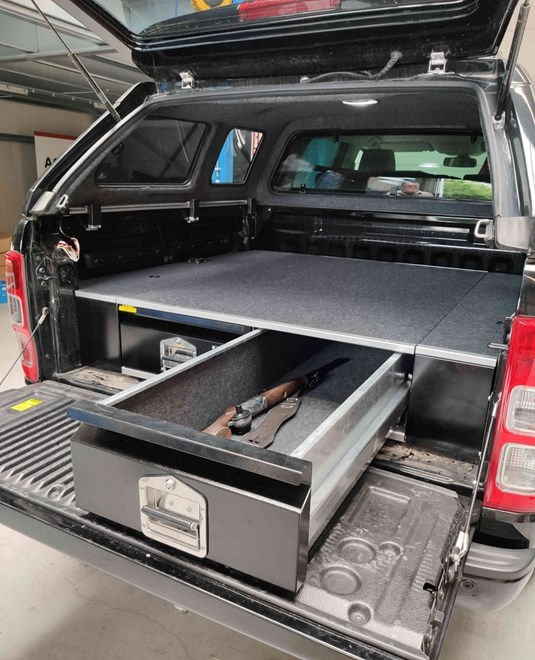 Double under floor drawers with floor for Toyota Hilux DC 2017>
