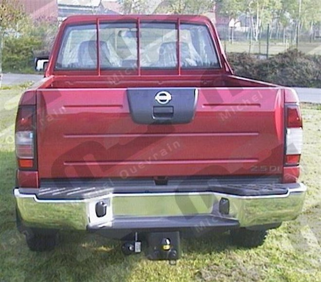 Towing hook Nissan Navara NP300 DC