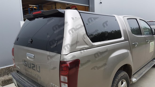 Hard Top Rh3 windowed painted Isuzu D-max DC 2012