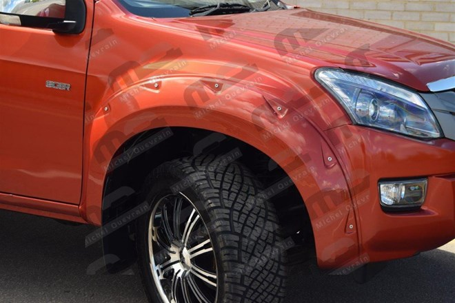Wheel Arches set Isuzu D-max 2012>