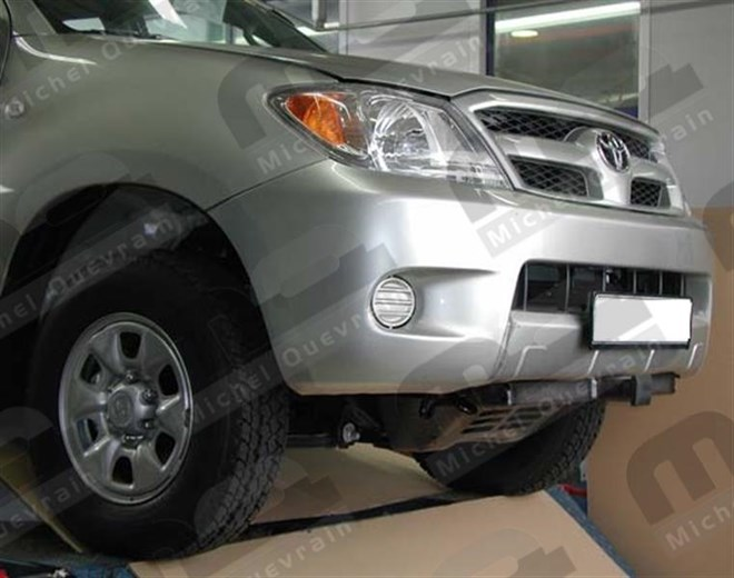winch support Toyota Hi-Lux